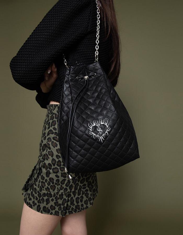 3-way quilting bucket Bag - black